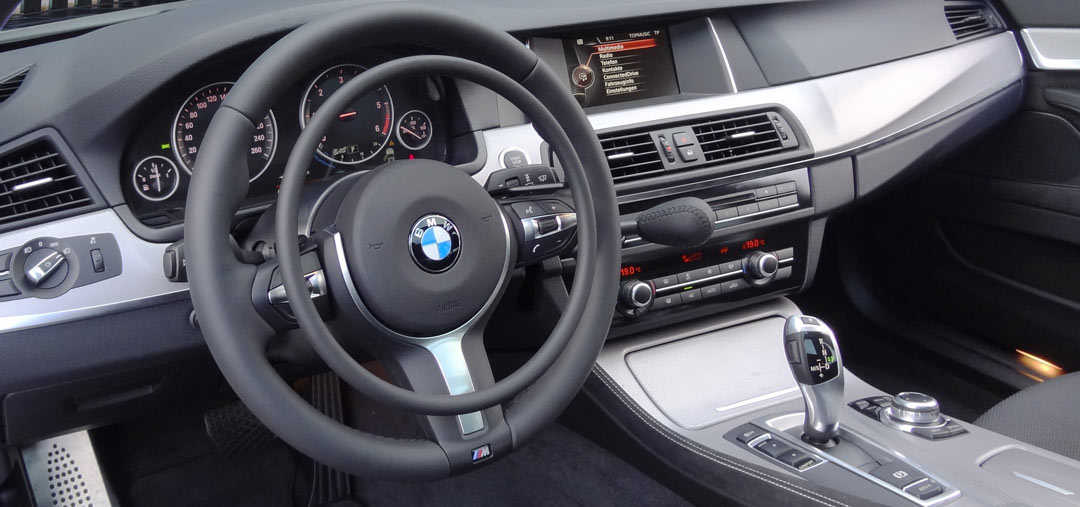BMW 5-serie with digital hand controls Darios for disabled drivers